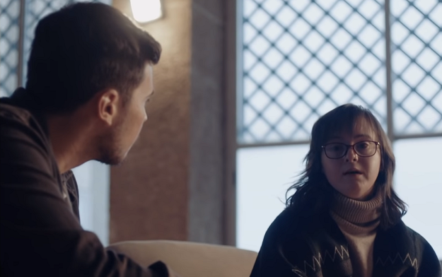 Ad of the Day | Down Spain and Contrapunto BBDO Create Friend:DS, a New AI-powered Contacts App