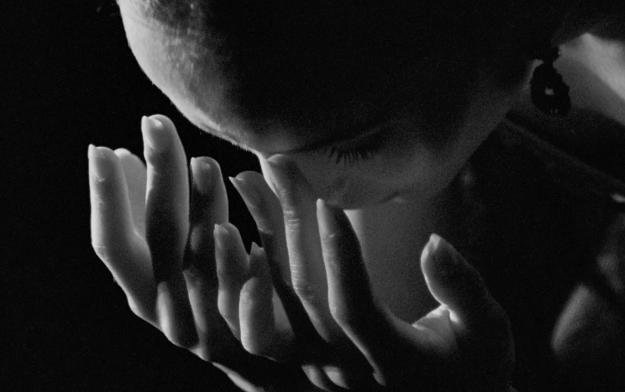 "Filmmaker Jess Kohl Directs Royal Ballet Principal Francesca Hayward in ""Siren"""